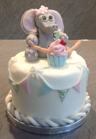 Animals Beautiful and unique Hand Crafted Cakes and Cupcakes
